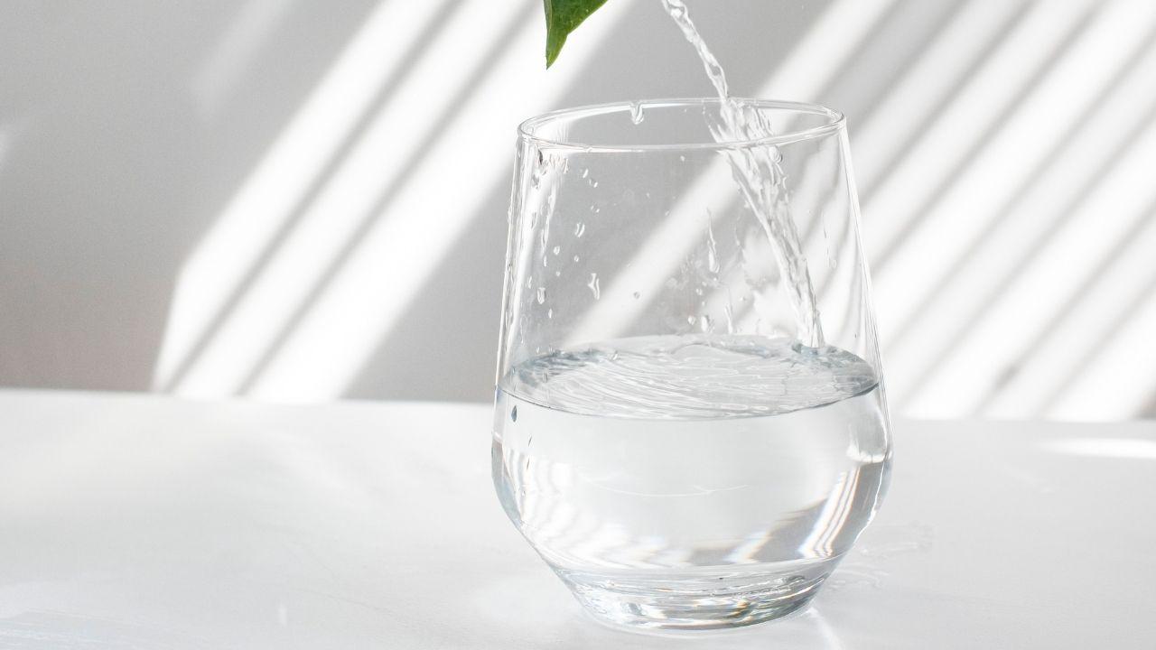 Boire de l'eau pour garder son énergie d'entrepreneur